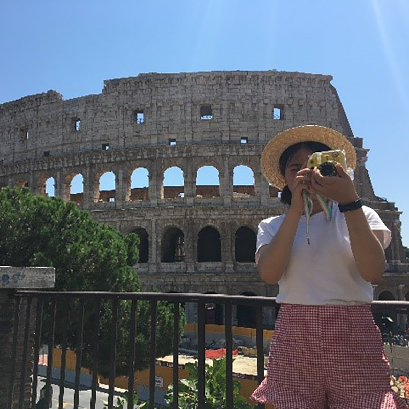 Auburn student pictured abroad in front of Colosseum