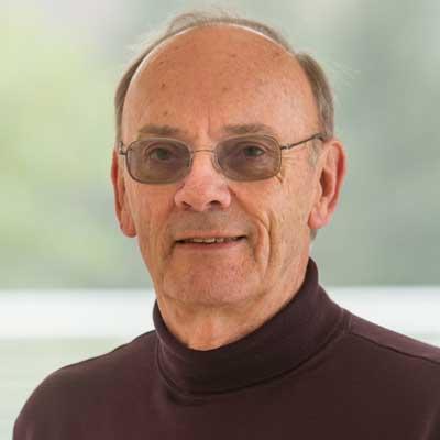 Headshot of Dr. Gary Mullen