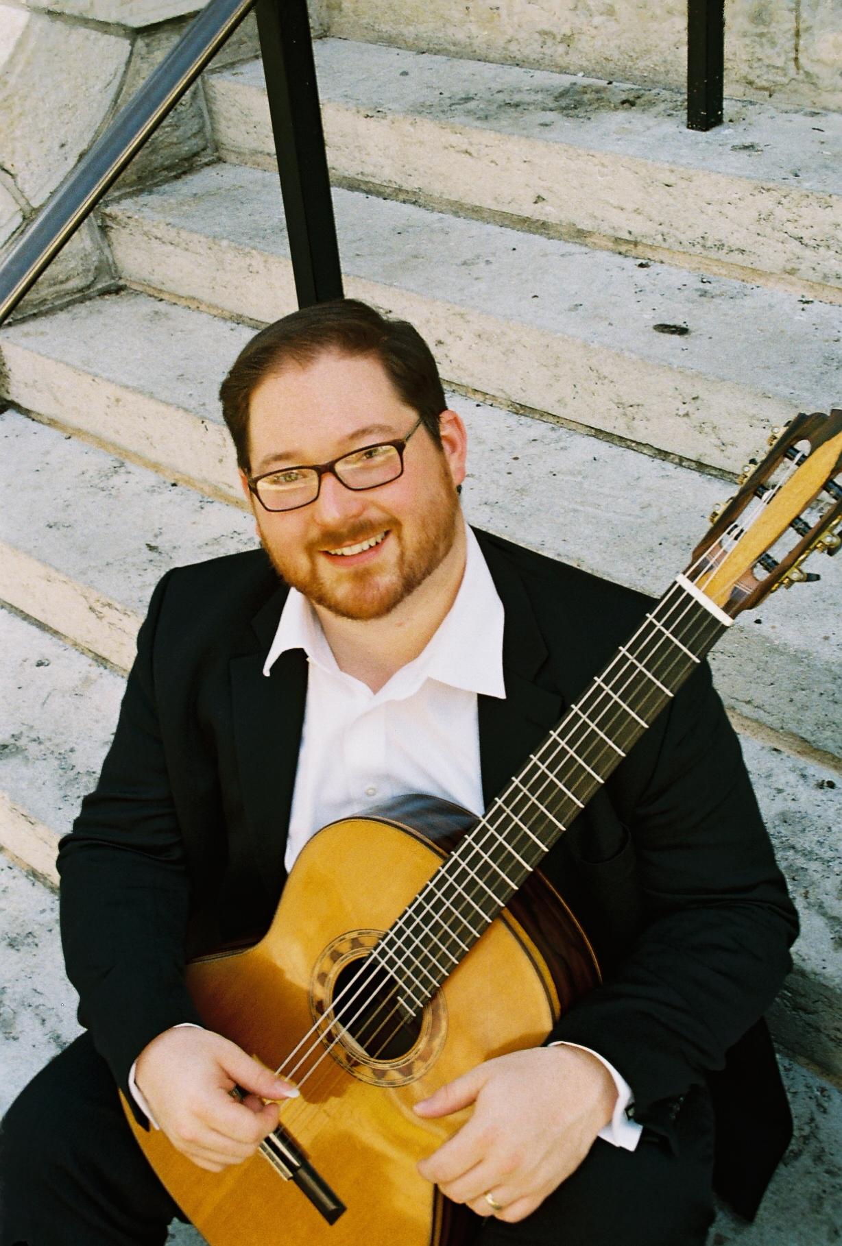 classical guitarist Dan Kyzer
