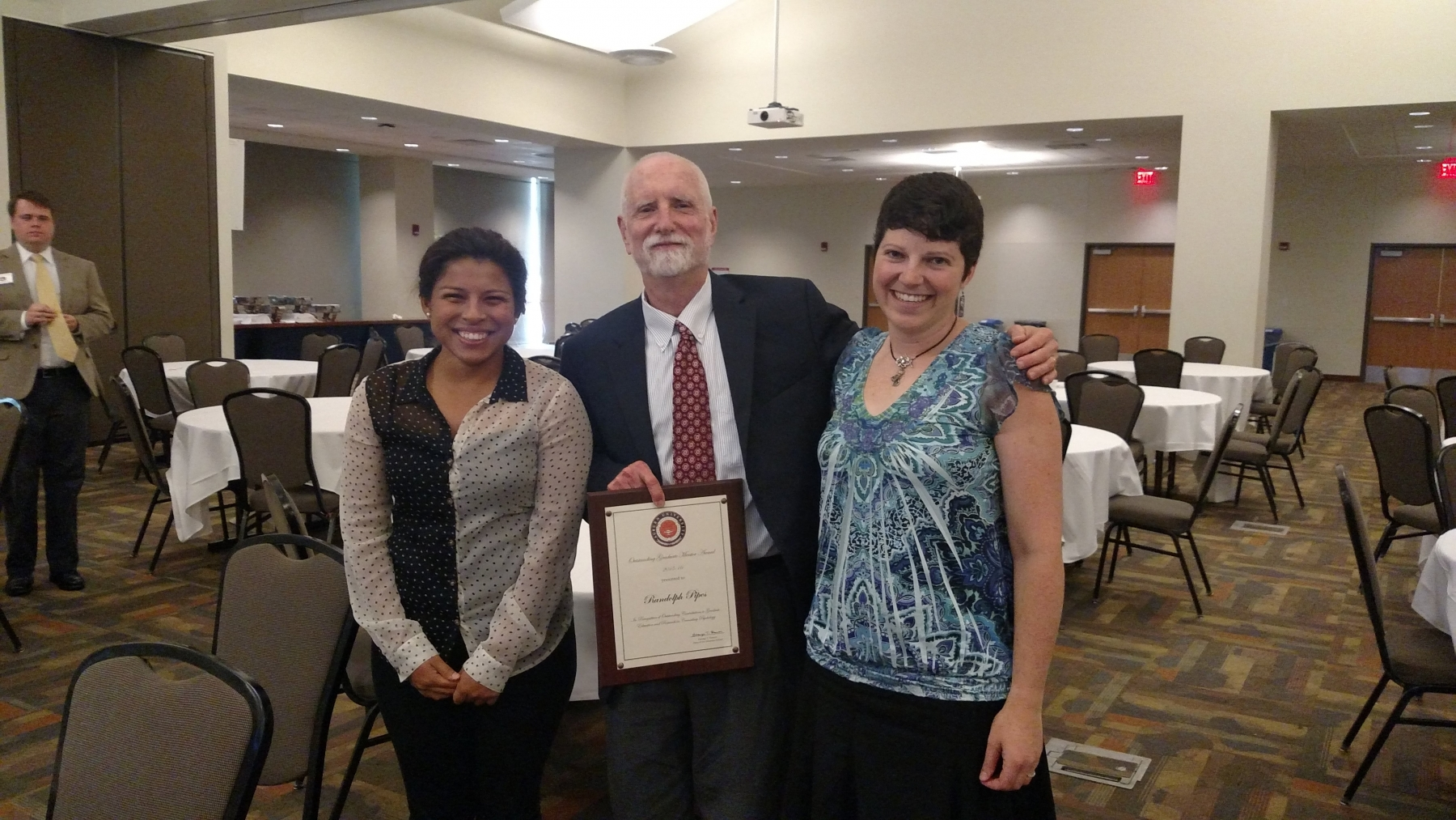 Dr. Pipes receiving AU Award